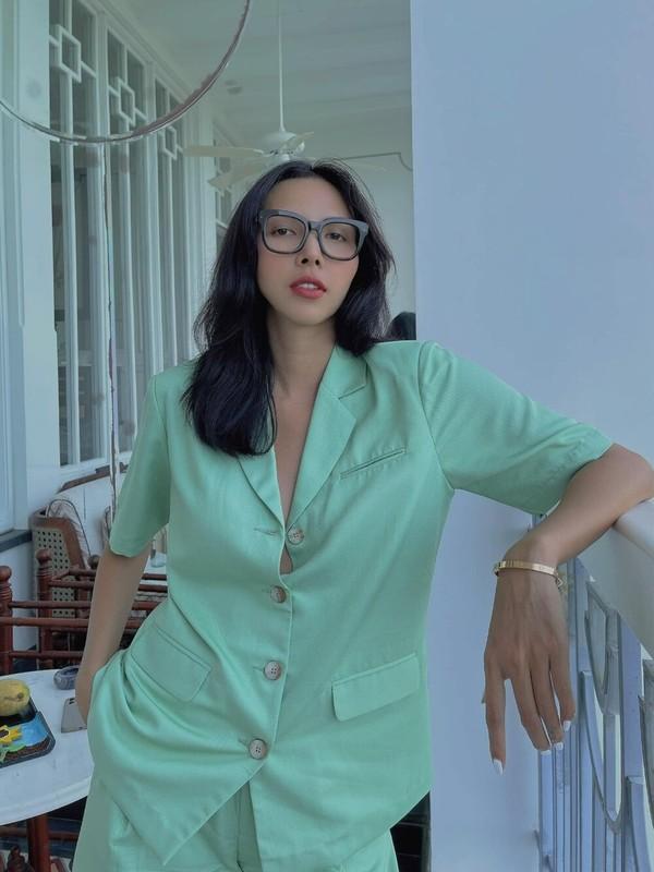 "Mot tha rong cua sieu mau Minh Trieu khien dan tinh ""nong mat""-Hinh-3"