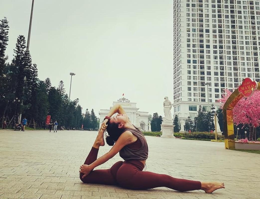 "Hanh trinh ""lot xac"" cua nu HLV yoga tai Ha Noi tung liet nua nguoi-Hinh-5"