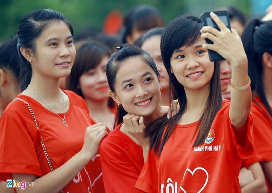 12.000 ban tre xep hinh co do sao vang tai My Dinh-Hinh-12