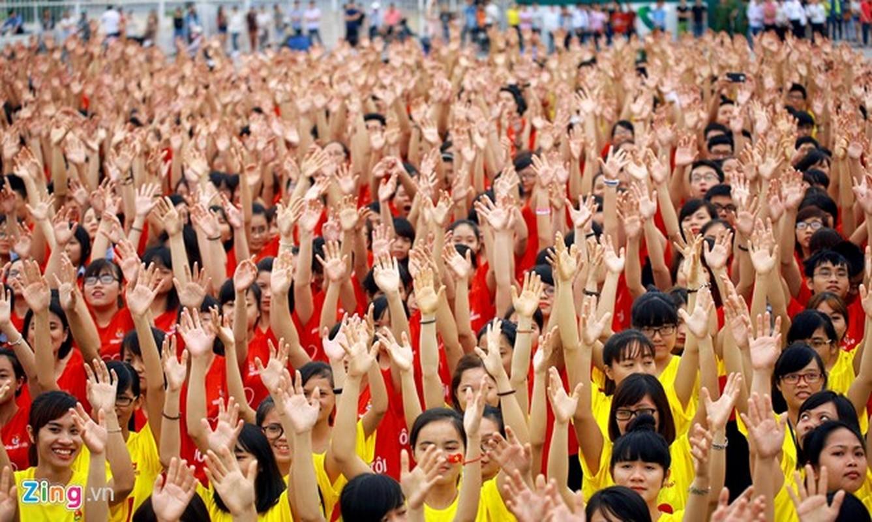 12.000 ban tre xep hinh co do sao vang tai My Dinh-Hinh-6