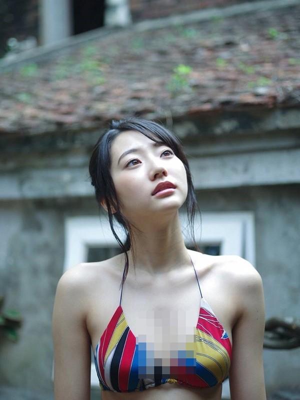 """""""Thien than noi y Nhat Ban"""" dien bikini dao pho Ha Noi-Hinh-5"""