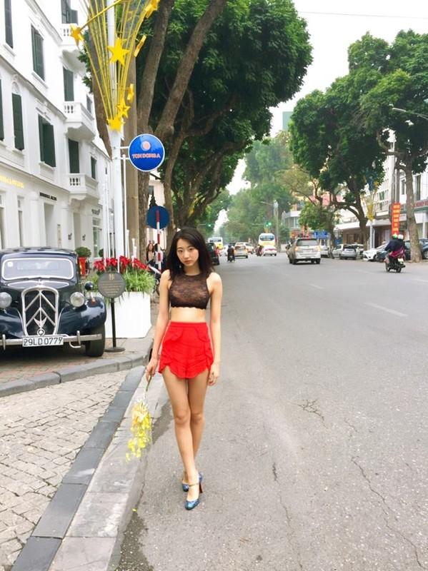 """""""Thien than noi y Nhat Ban"""" dien bikini dao pho Ha Noi-Hinh-9"""