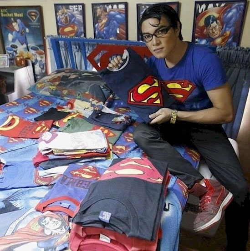 18 nam phau thuat tham my de giong superman