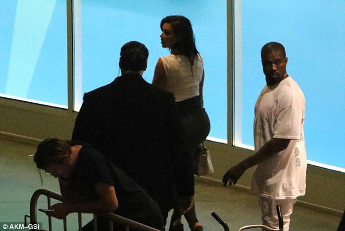 Vong ba khung cua Kim Kardashian bi nghi hang gia-Hinh-3