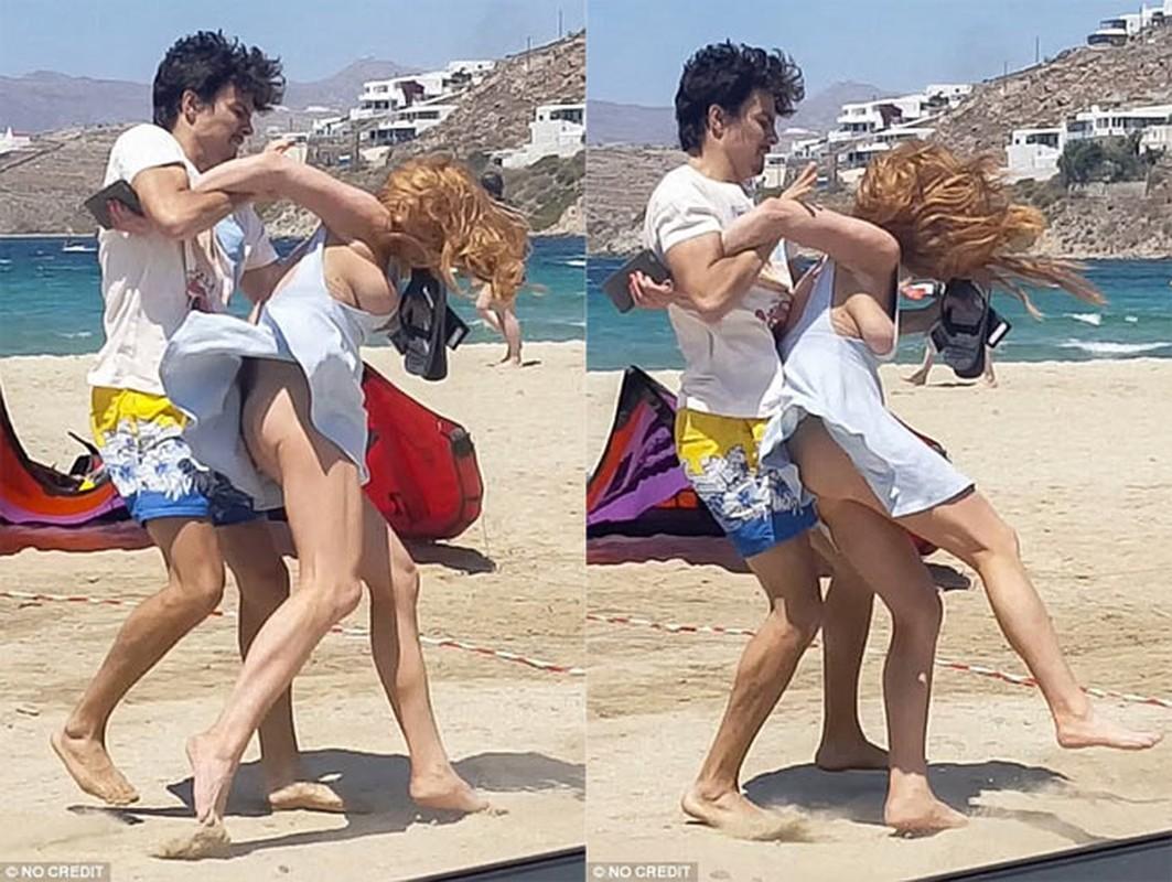 Cuoc tinh cay dang cua Lindsay Lohan voi chang ty phu tre-Hinh-12