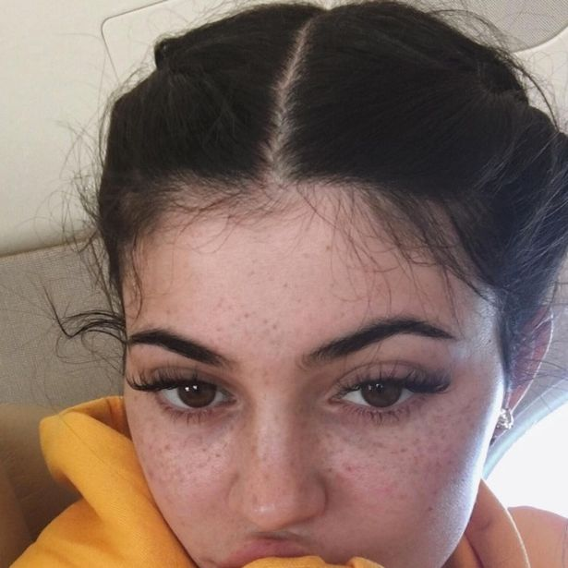 Mau tre Kylie Jenner lo anh mat moc day tan nhang-Hinh-4