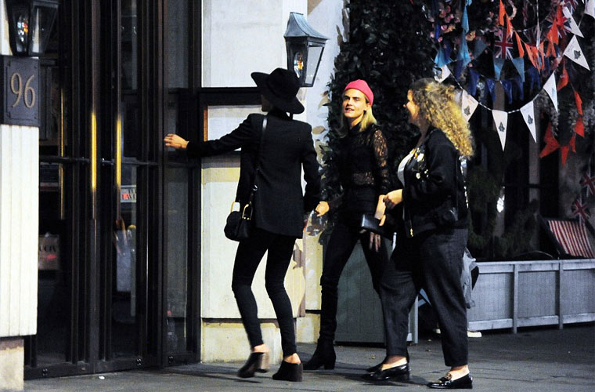 Amber Heard xoa toi ben sau ly hon Johnny Depp-Hinh-5