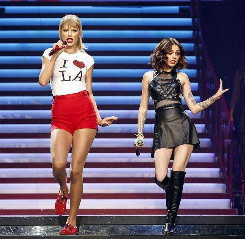 Taylor Swift luon noi troi nho chieu cao nguoi mau-Hinh-6