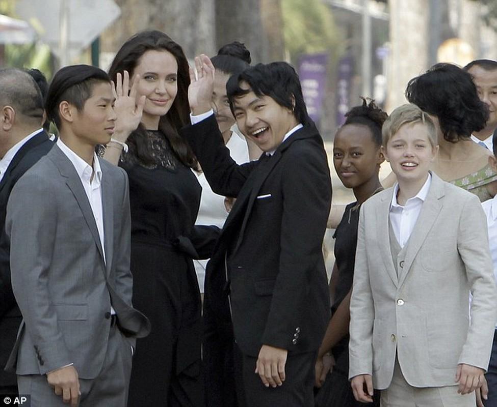 7 me con Angelina Jolie an bo cap, nhen o Cambodia-Hinh-6