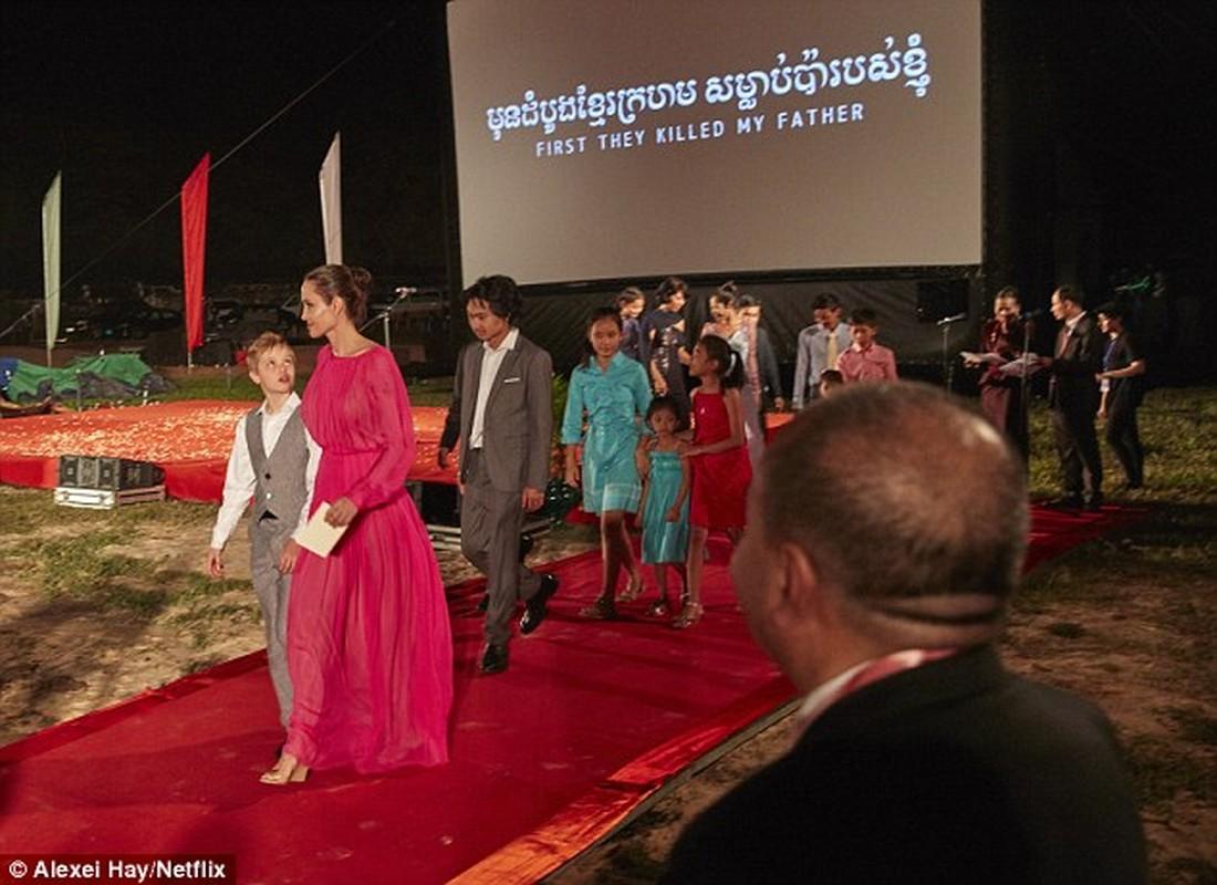7 me con Angelina Jolie an bo cap, nhen o Cambodia-Hinh-7