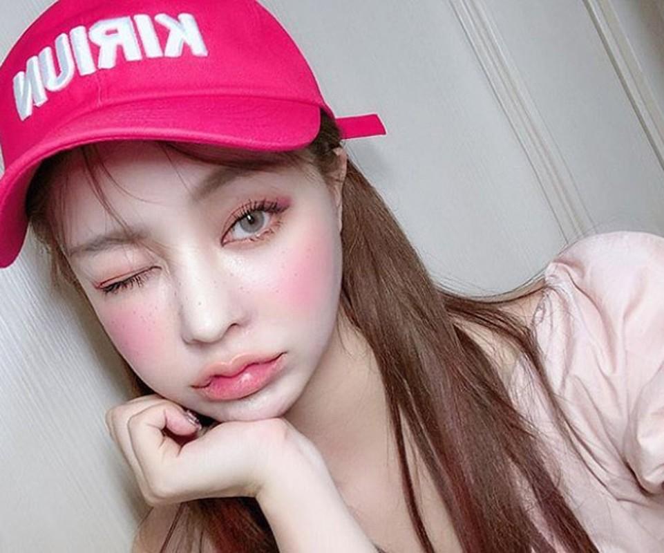 Hot girl Han Quoc hut van nguoi ham mo nho doi moi xinh nhu hoa-Hinh-4
