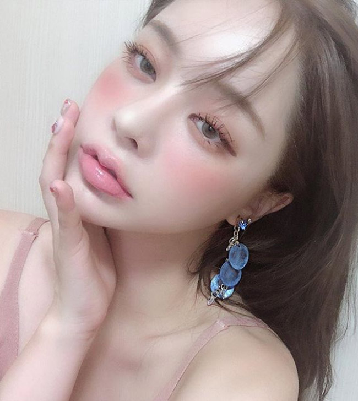 Hot girl Han Quoc hut van nguoi ham mo nho doi moi xinh nhu hoa-Hinh-5
