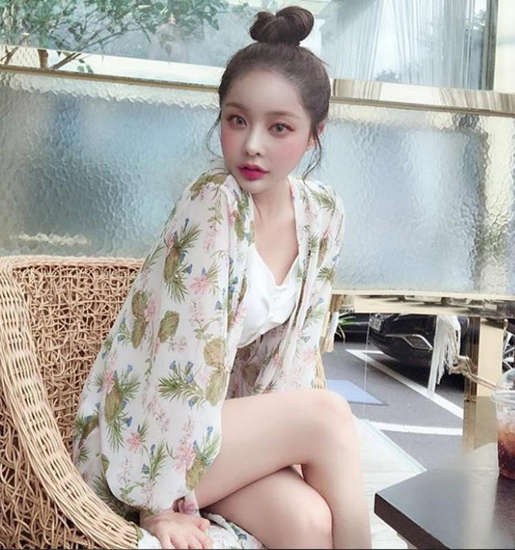 Hot girl Han Quoc hut van nguoi ham mo nho doi moi xinh nhu hoa-Hinh-7