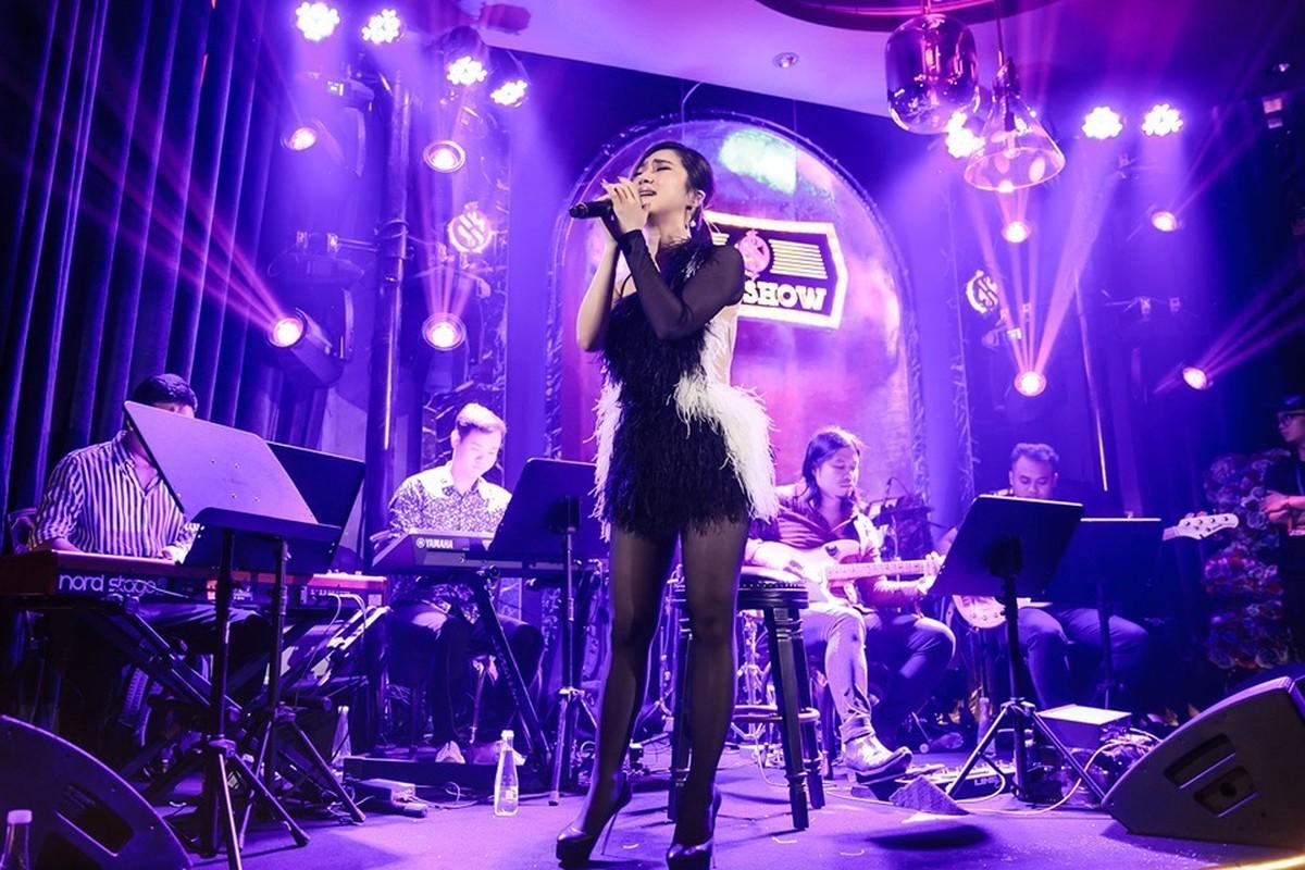 Huong Tram khoc trong show dien cuoi truoc khi tam dung su nghiep-Hinh-8
