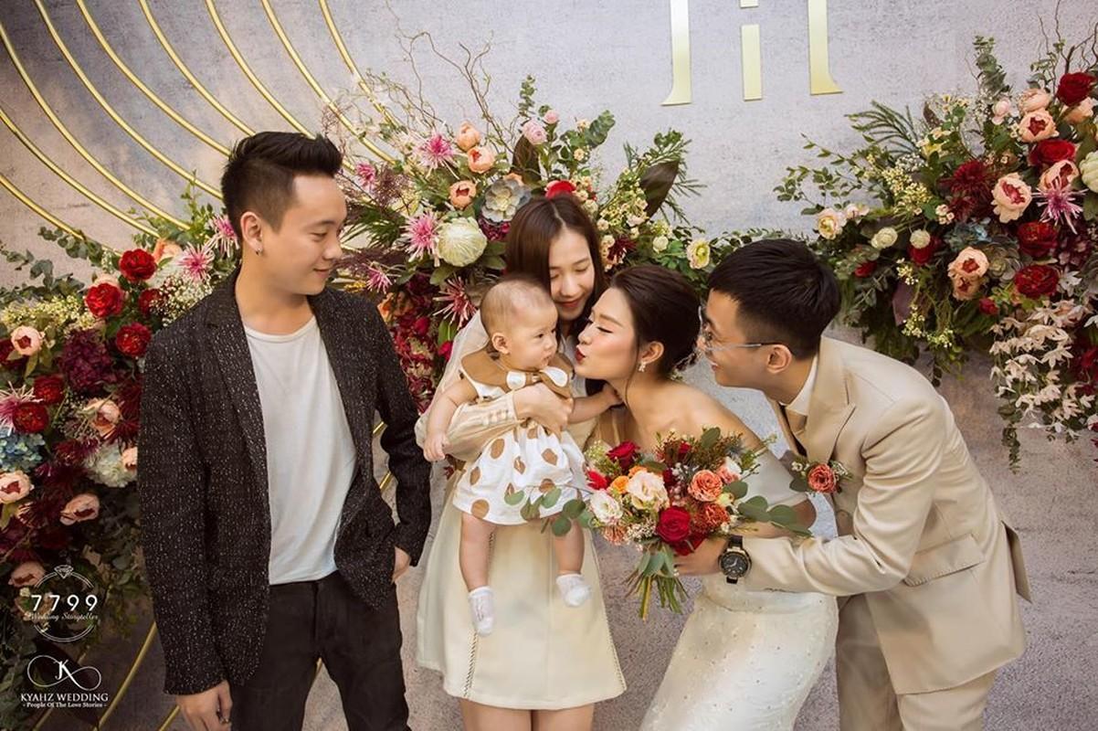 Nhan sac mon con mat cua cuu hot girl Ha thanh sau sinh-Hinh-6