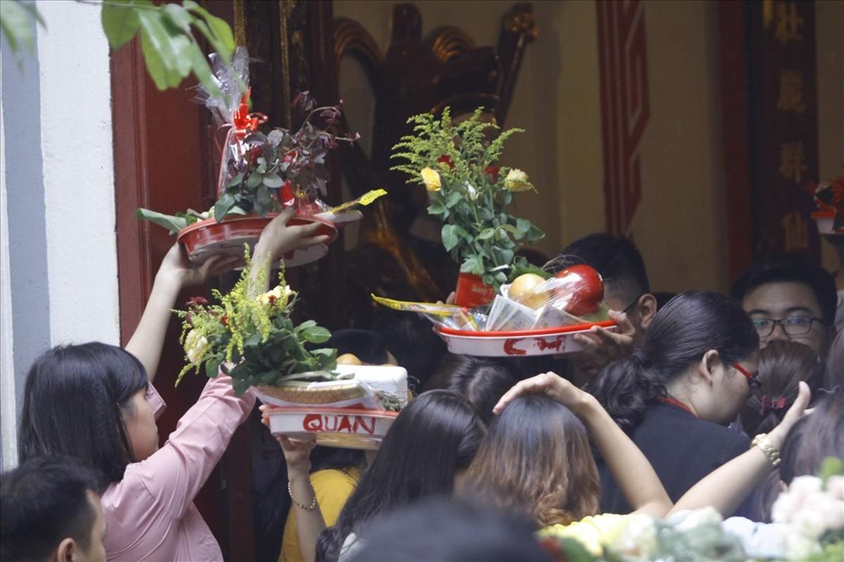 Bien nguoi cau an 'Thang co hon' o Phu Tay Ho-Hinh-10