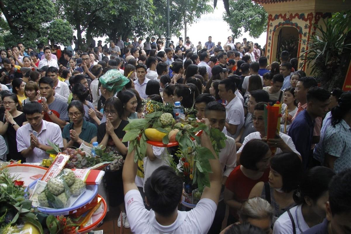 Bien nguoi cau an 'Thang co hon' o Phu Tay Ho-Hinh-6