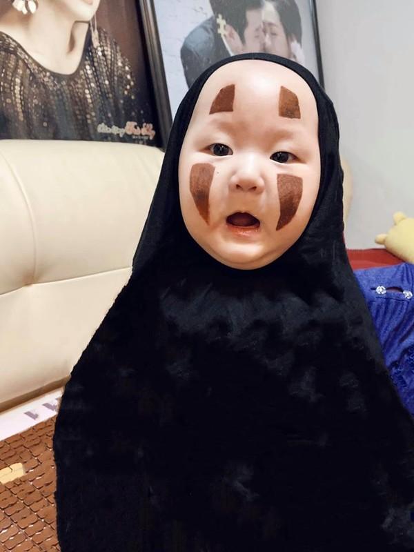 Nuoi con kheo nhu Tra My Idol, bao sao gioi showbiz khong het loi khen