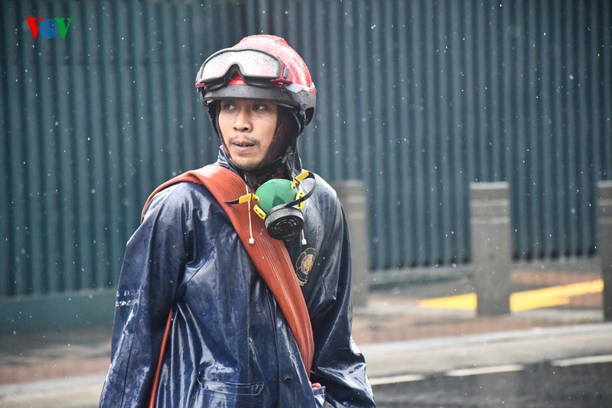 Jakarta phun thuoc khu trung toan thanh pho ngan dich Covid-19-Hinh-9