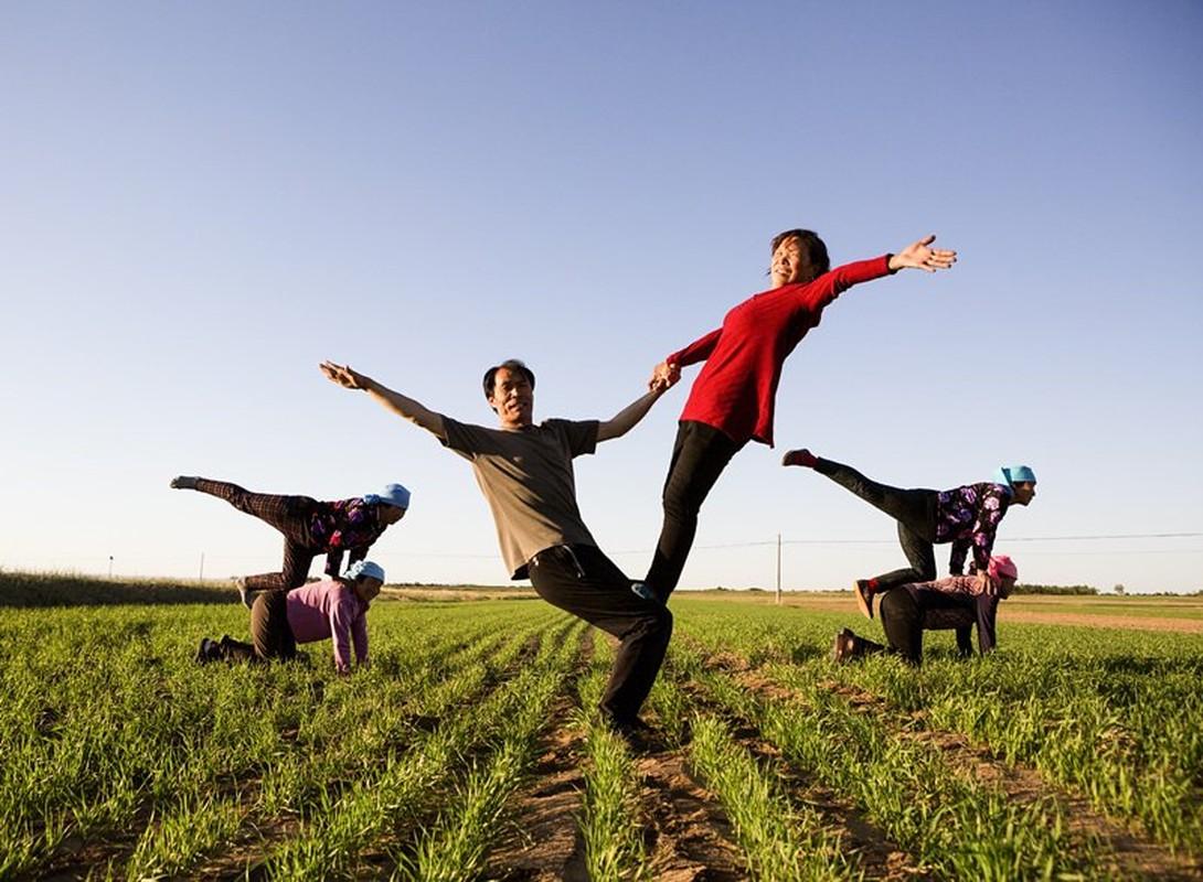 Ky la ngoi lang yoga o Trung Quoc, noi nguoi dan cuc tho