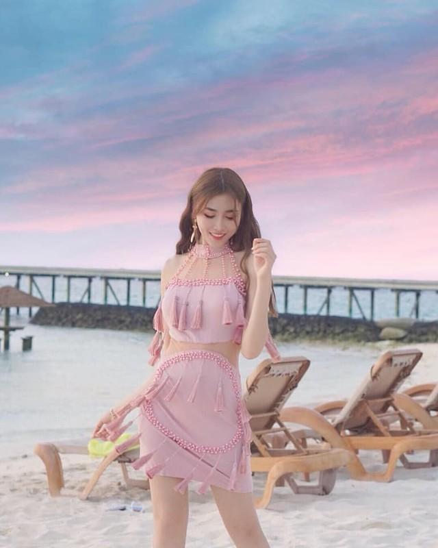 Hot girl Malaysia khoe eo thon, nguc no nho tap luyen khac kho-Hinh-14