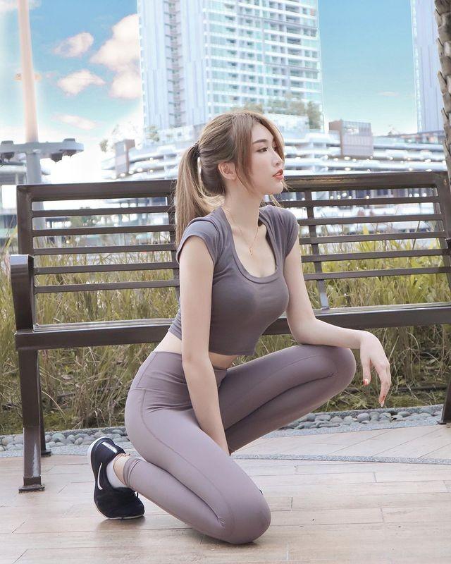 Hot girl Malaysia khoe eo thon, nguc no nho tap luyen khac kho-Hinh-6