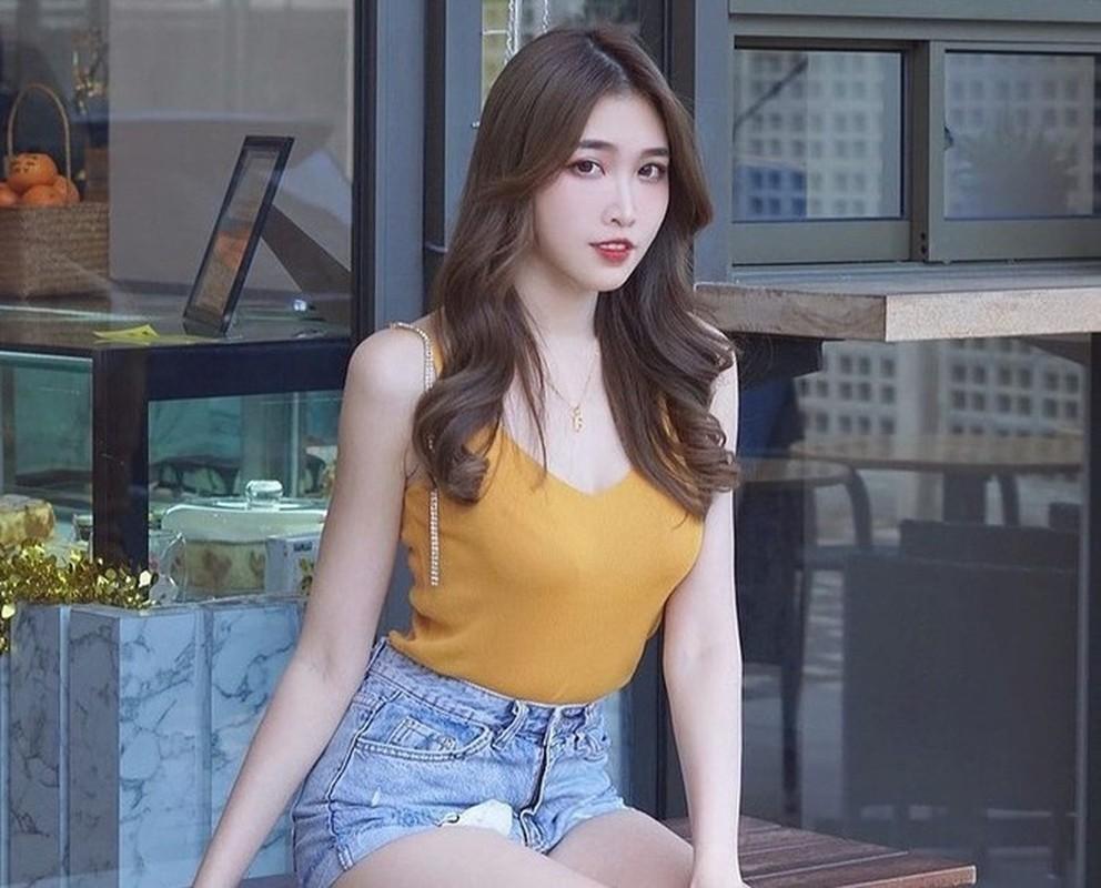 Hot girl Malaysia khoe eo thon, nguc no nho tap luyen khac kho-Hinh-8
