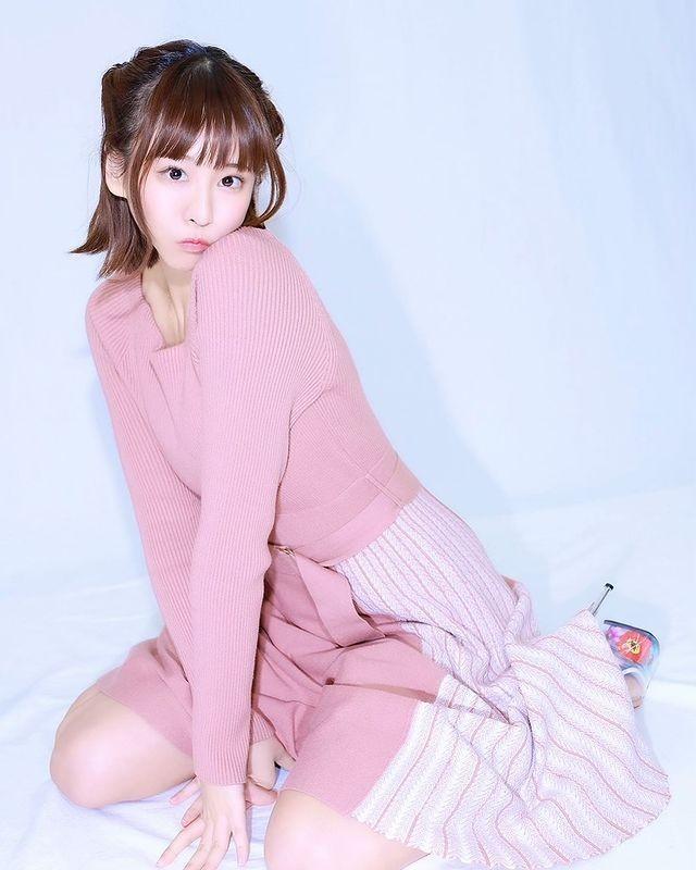 Thoi trang bien hoa cua hot girl Nhat Ban tha rong choi bong ro gay soc-Hinh-10