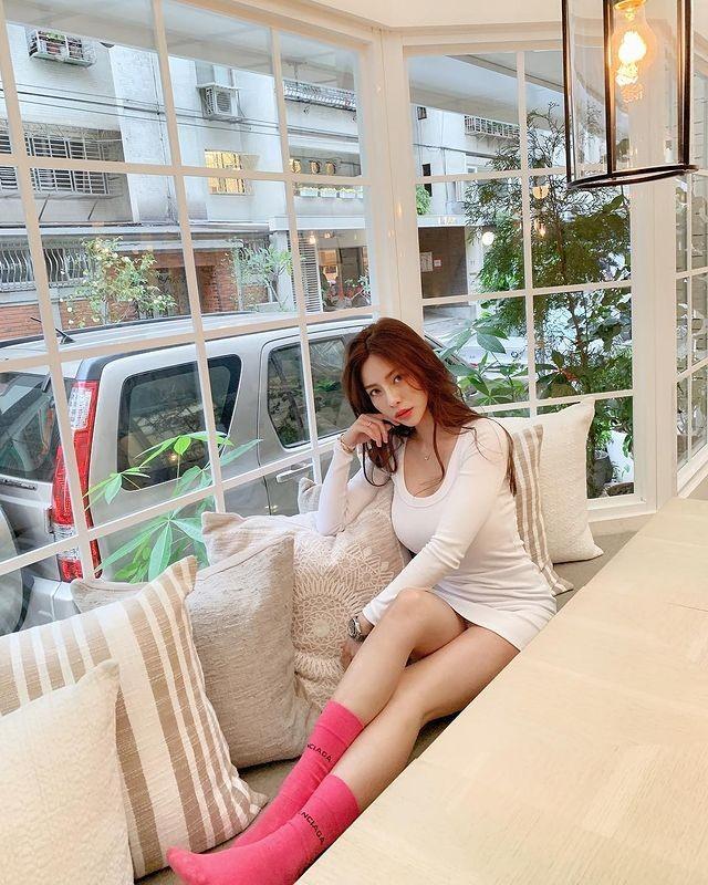 Chi dien do tap, hot girl nguc khung cung khien fan hoa mat-Hinh-14
