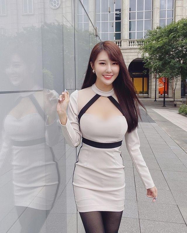 Dien do cong so cuc ngan, hot girl lo ro loi tham my khi phoi do-Hinh-11