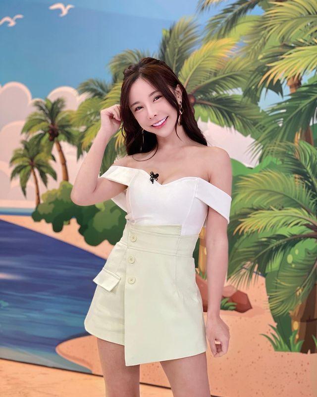 Hot girl chuyen vay quay bat mi bi quyet tre trung goi cam-Hinh-3