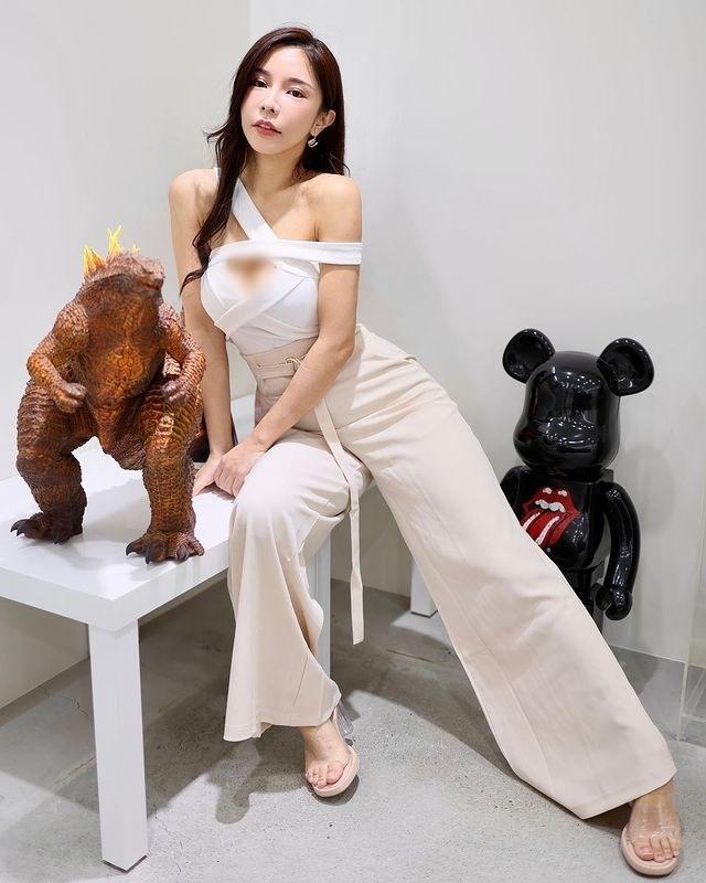 Hot girl chuyen vay quay bat mi bi quyet tre trung goi cam-Hinh-5
