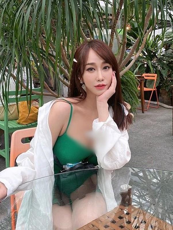 Nu tiep vien hang khong an mac sieu don gian van cuc nong bong-Hinh-7