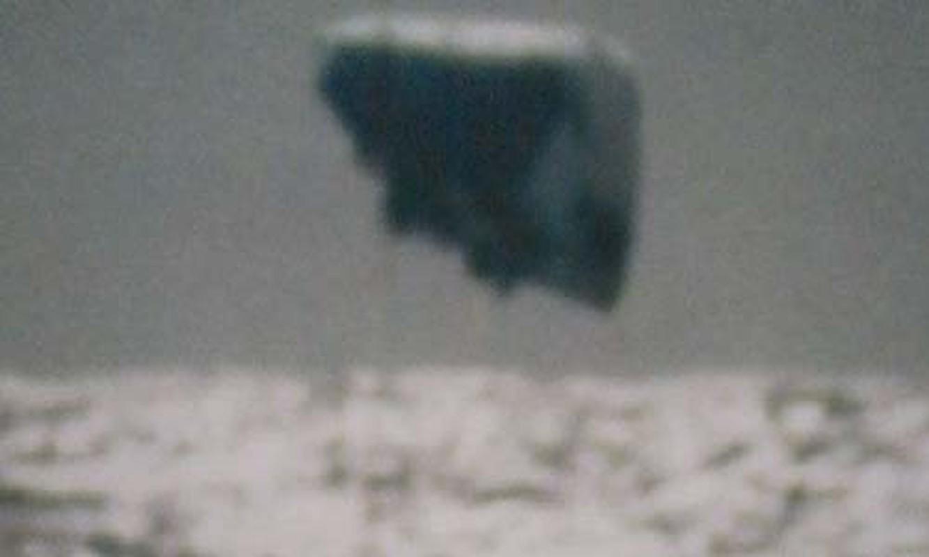 Loat anh kinh ngac ve UFO do tau ngam My chup duoc-Hinh-6