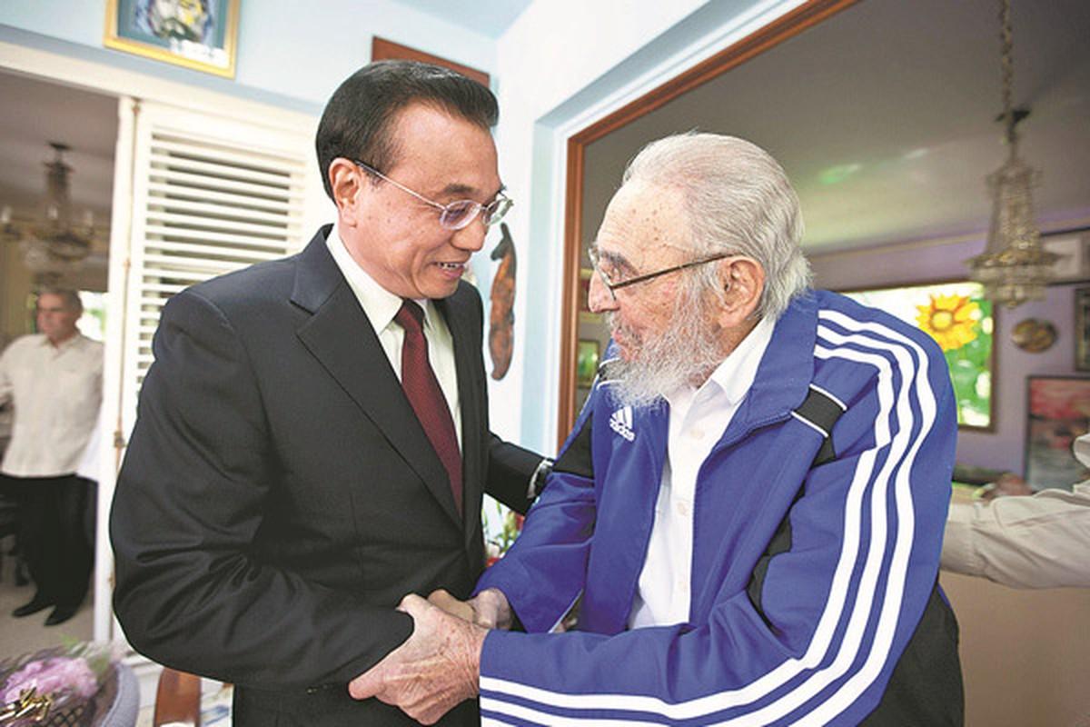 Khoanh khac lanh tu Fidel Castro ben cac chinh khach the gioi-Hinh-7