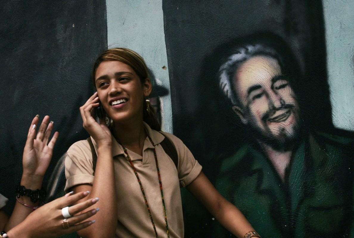 Hinh anh lanh tu Fidel Castro trong nhung buc ve graffiti-Hinh-8