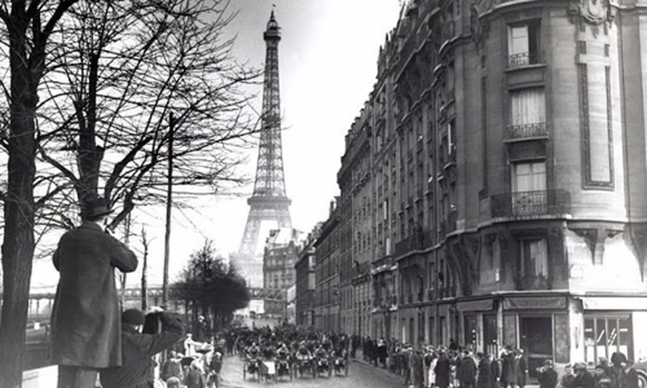 To mo dien mao thu do Paris nhung nam 1920