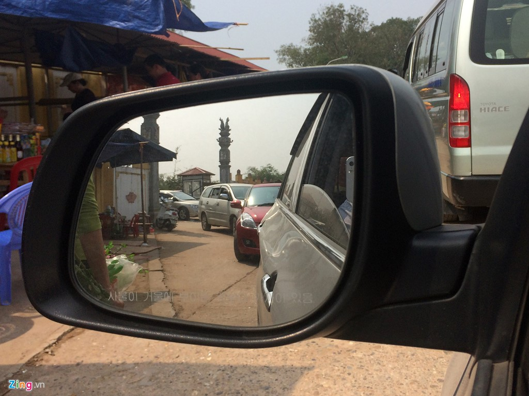 Anh: Xe hop xep hang vao nghia trang lon nhat Ha Noi-Hinh-3