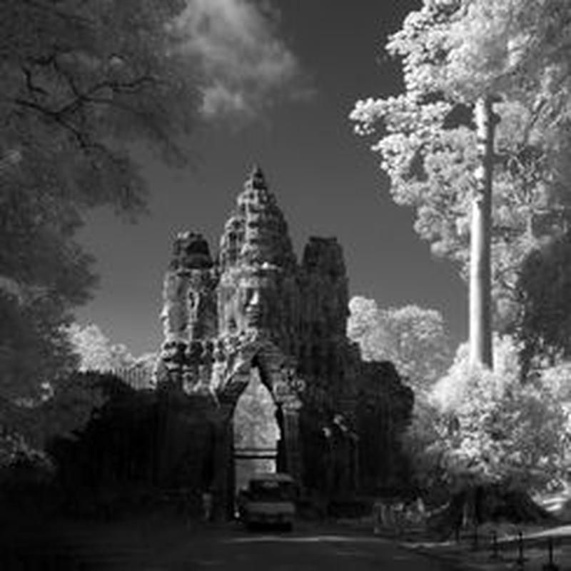 Vi sao thanh pho Angkor huy hoang bong dung sup do?-Hinh-5