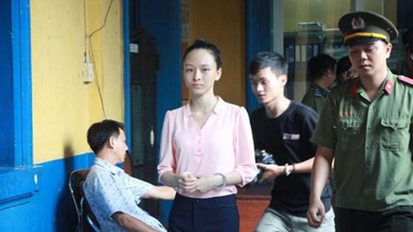 Hinh anh: Hoa hau Phuong Nga chinh thuc duoc tai ngoai-Hinh-3