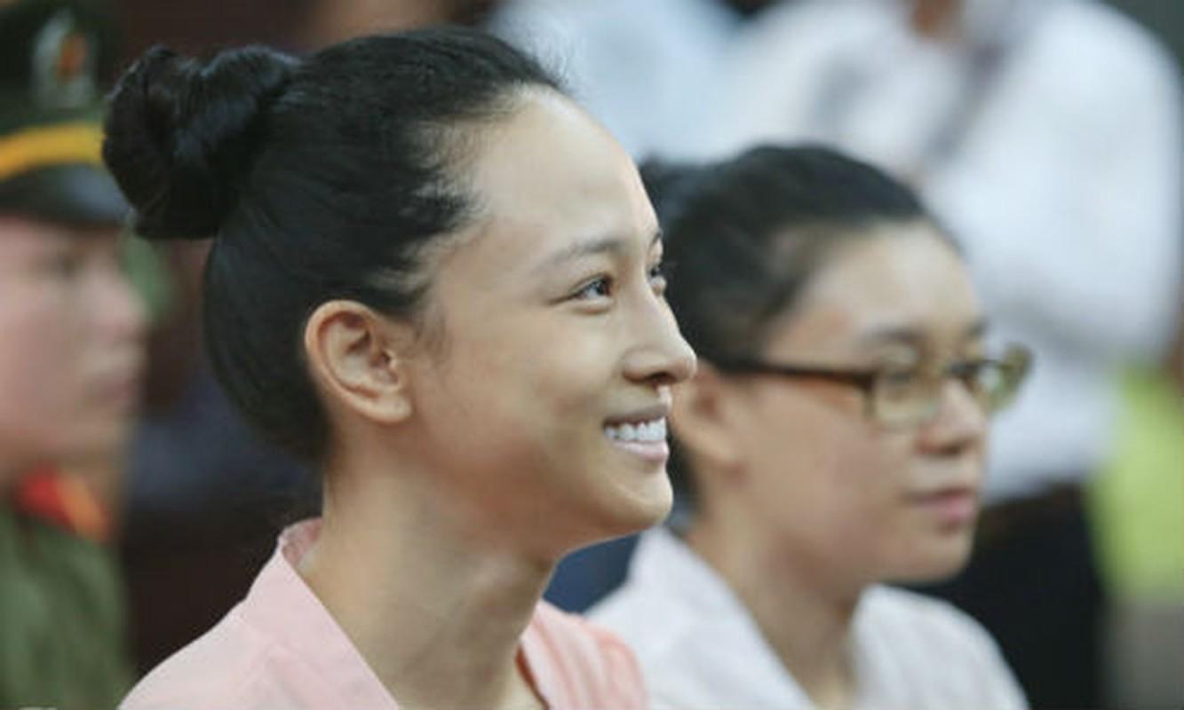 Hinh anh: Hoa hau Phuong Nga chinh thuc duoc tai ngoai-Hinh-4