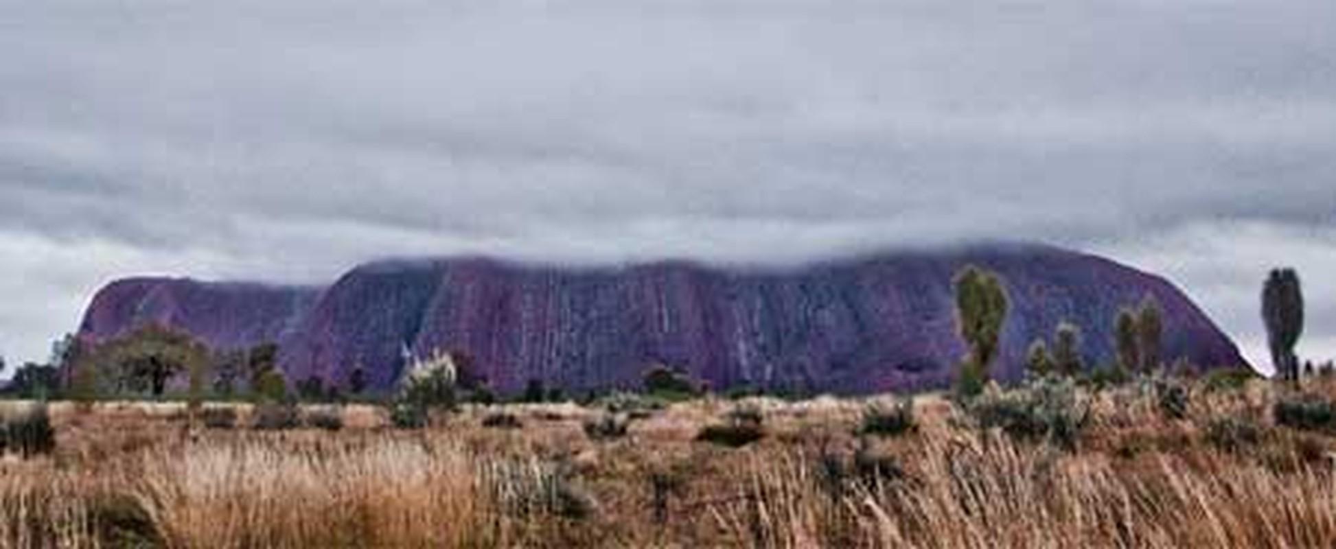 Kham pha bi mat nui thieng Uluru o Australia-Hinh-3