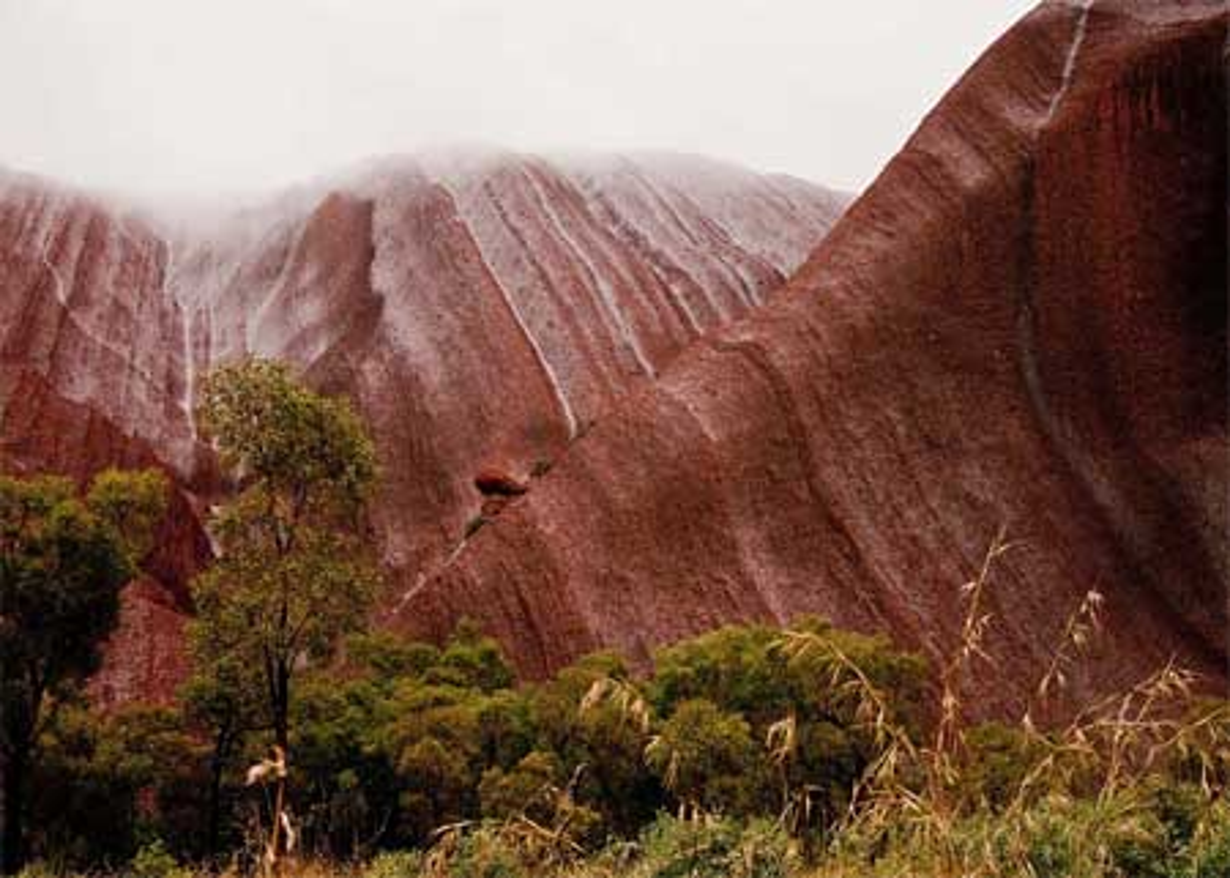 Kham pha bi mat nui thieng Uluru o Australia-Hinh-4