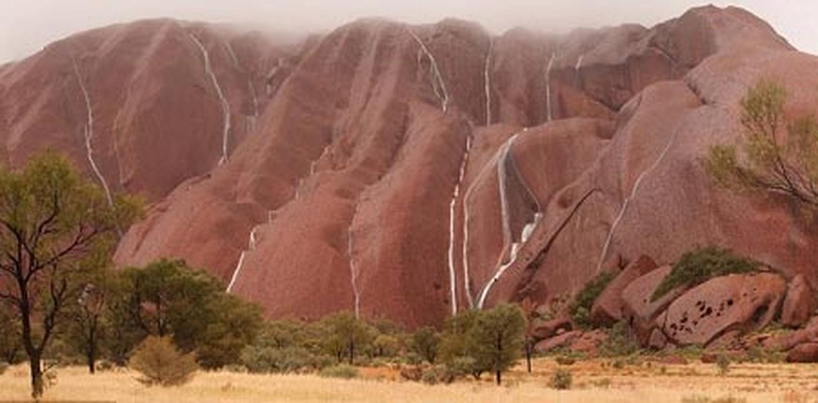 Kham pha bi mat nui thieng Uluru o Australia-Hinh-5