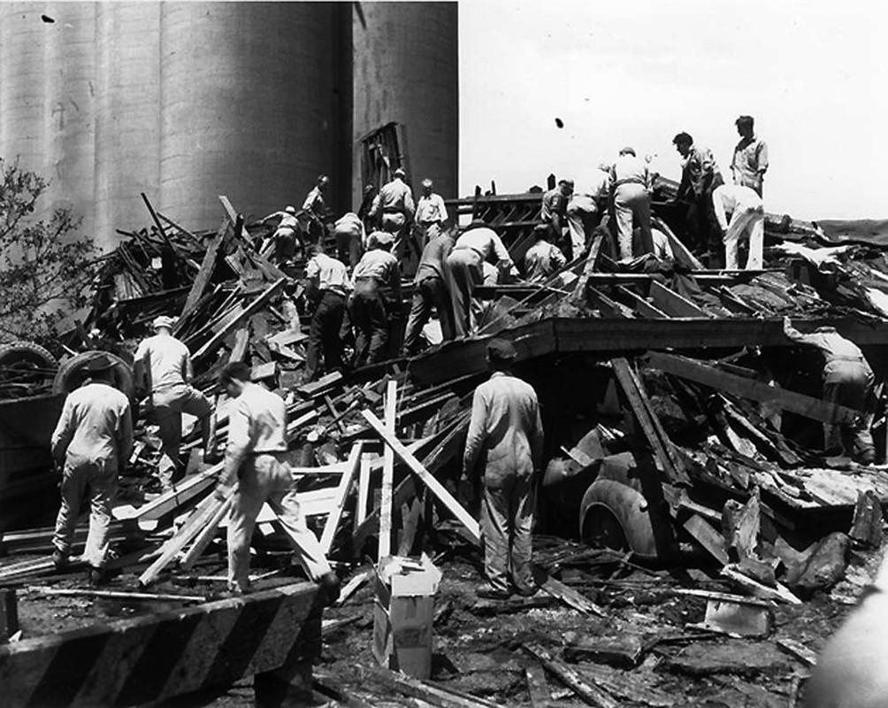 Tham kich kinh hoang chay tau cho hang Grandcamp nam 1947-Hinh-10
