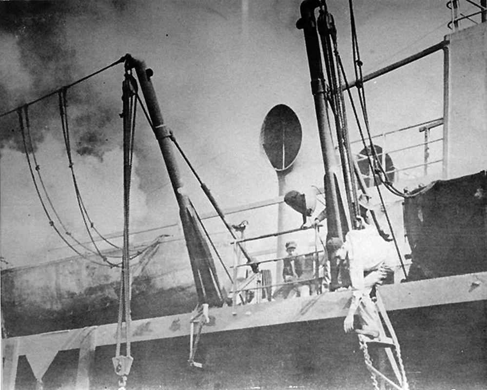 Tham kich kinh hoang chay tau cho hang Grandcamp nam 1947-Hinh-4
