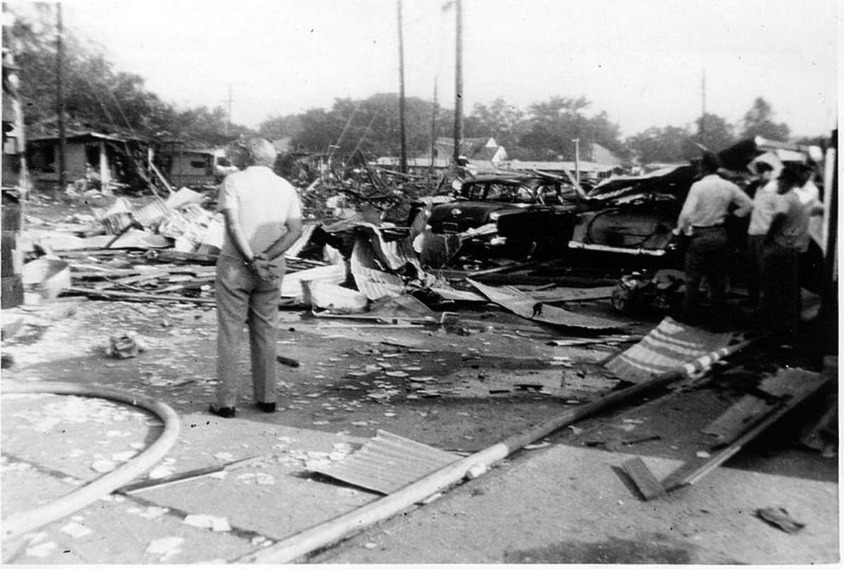 Tham kich kinh hoang chay tau cho hang Grandcamp nam 1947-Hinh-9