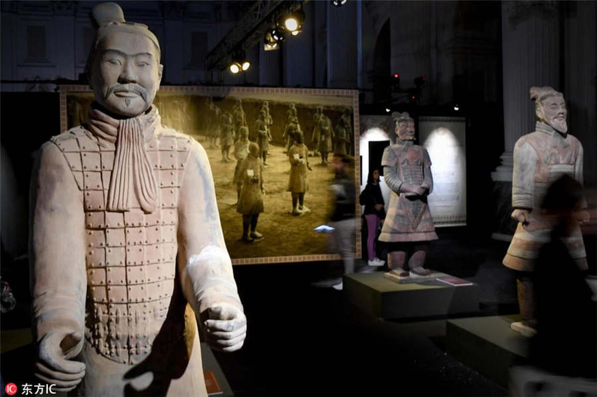 Hung hau doi quan dat nung trong lang mo Tan Thuy Hoang-Hinh-6