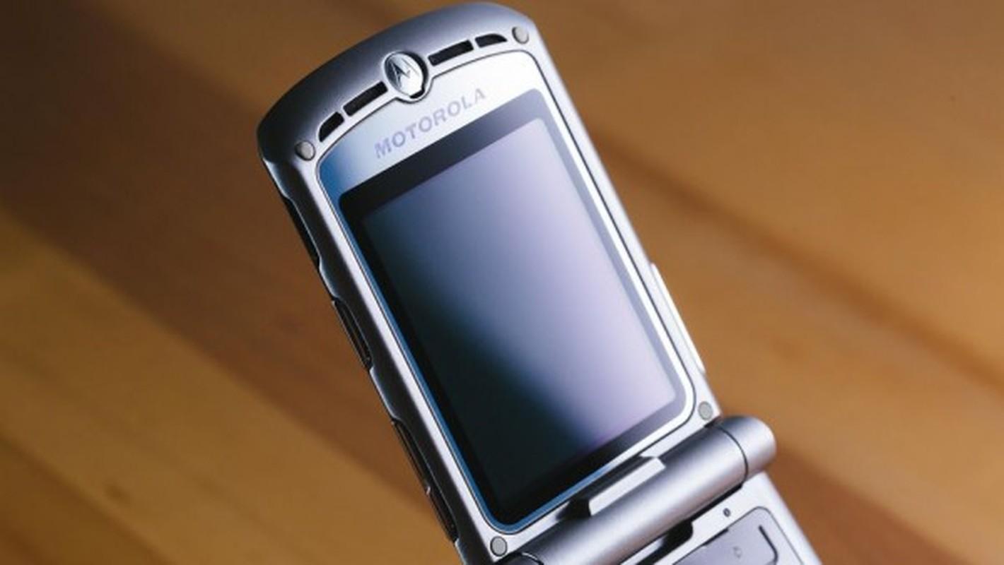 Nhin lai thiet ke chiec Motorola Razr tung khien nguoi Viet me met-Hinh-10