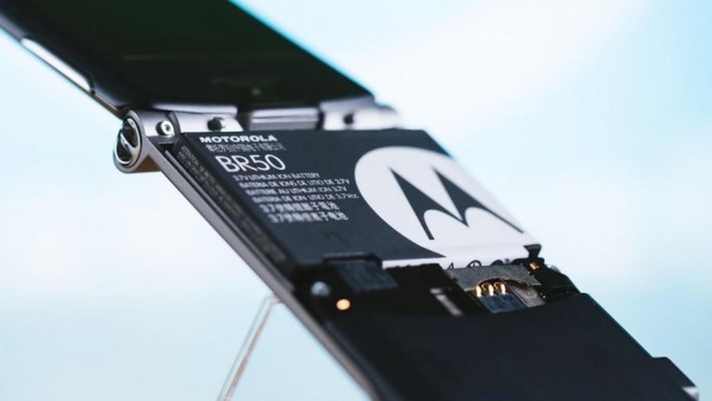 Nhin lai thiet ke chiec Motorola Razr tung khien nguoi Viet me met-Hinh-12